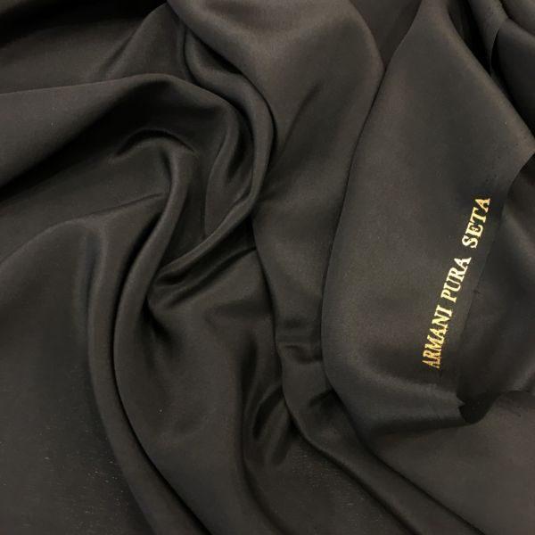 Armani Saf İpek Siyah