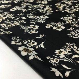 Beyaz Çiçek Desenli Akışkan Krep Kumaş